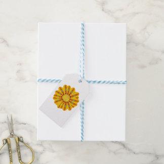 Étiquettes-cadeau Paon de tribal de fleur de Gazania