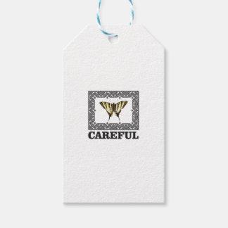 Étiquettes-cadeau papillon jaune soigneux