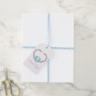 Étiquettes-cadeau Partie florale de coeur de perruches bleues
