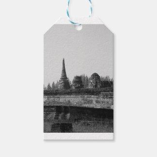 Étiquettes-cadeau Une image noire et blanche d'un vieux temple