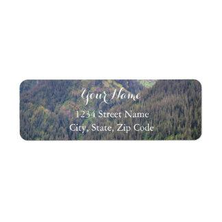 Étiquettes de adresse de forêt et de montagnes
