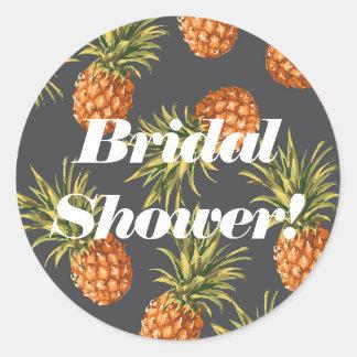 Étiquettes nuptiales de douche d'ananas sticker rond