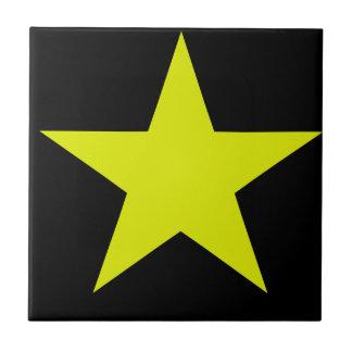 Étoile jaune et tuile noire petit carreau carré