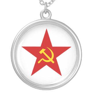 Étoile rouge collier