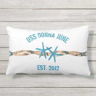 Étoiles de mer et corde de nom de bateau d'USS Coussins Carrés