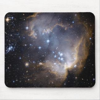 Étoiles lumineuses de NGC 602 de la manière laiteu Tapis De Souris