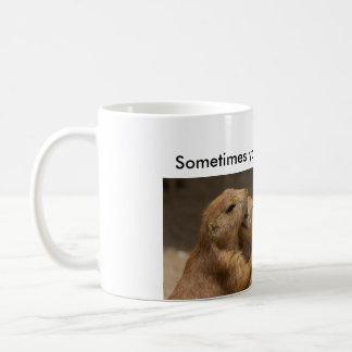 Étreindre de chiens de prairie mug