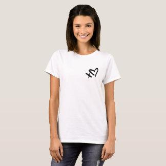 Étreintes et T-shirt d'amour