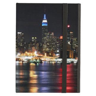 Étui iPad Air Belles lumières de nuit de New York reflétant la