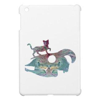 Étui iPad Mini Chat marchant sur un crâne de chèvre