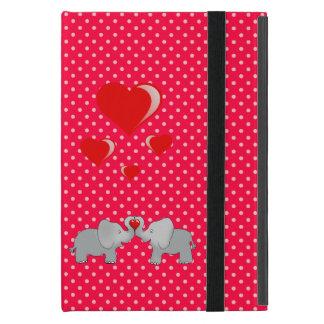 Étui iPad Mini Éléphants romantiques et coeurs rouges sur le pois