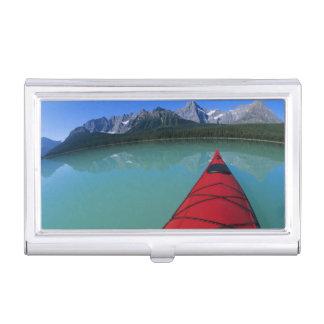 Étui Pour Cartes De Visite Kayaking sur le lac waterfowl au-dessous de la