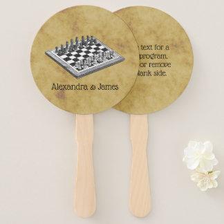 Éventail Cru WBG d'échecs et d'échiquier affligé