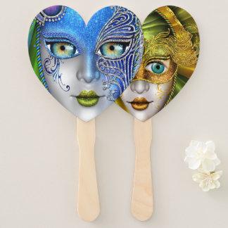Éventail Deux masques de mascarade dans une fan