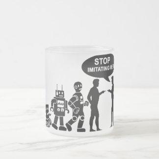 Évolution de robot mug en verre givré