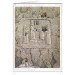 Examinant une sculpture assyrienne en roche, de 'D Carte De Vœux