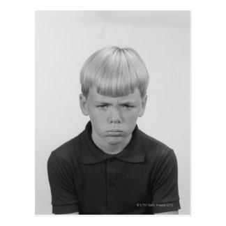 Expressions du visage de garçon carte postale