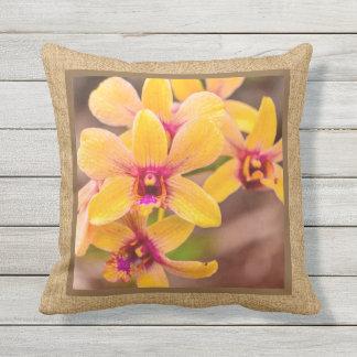 Extérieur réversible tropical hawaïen d'orchidée coussin