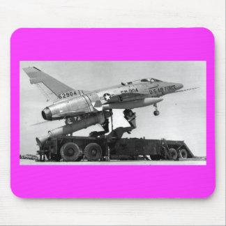 F-100 avec le décollage assisté par fusée géant ! tapis de souris