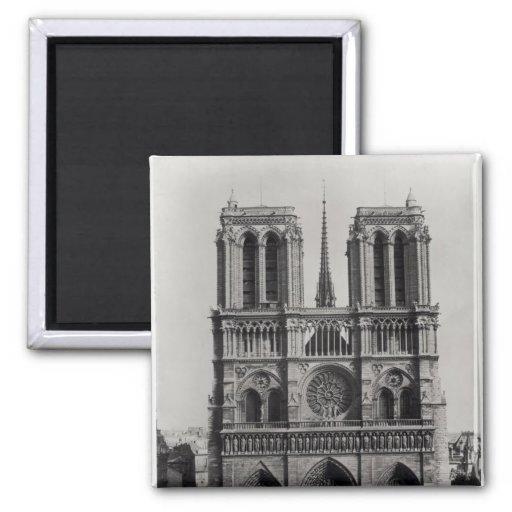 Façade de Notre-Dame, Paris, fin du 19ème siècle Aimants