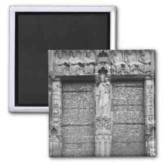 Façade de Notre-Dame, quittée le portail, Paris Magnet Carré