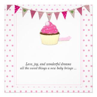 Faire-part rose de bébé de petit gâteau