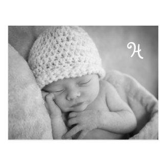 Faire-part unique de bébé avec l'enveloppe de carte postale