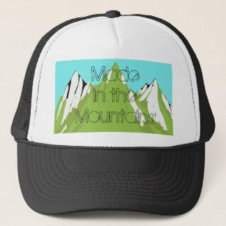 Fait dans le casquette de camionneur de montagne