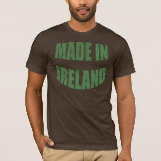 Fait dans le T-shirt de l'Irlande