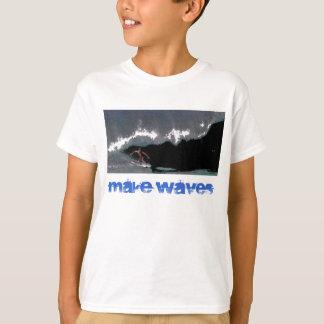 Faites à des garçons de canalisation de vagues le t-shirt