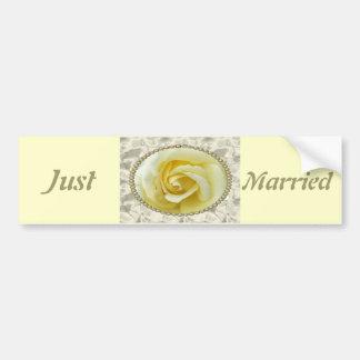 Faites gagner la date avec le rose jaune, les perl adhésif pour voiture