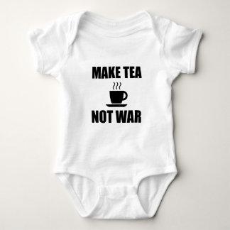 Faites la guerre de thé pas body