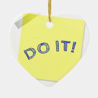 Faites-le ! ornement cœur en céramique