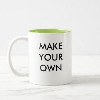 Faites votre propre tasse à deux tons faite sur