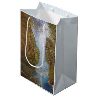 Falaises en bois de forêt d'environnement de sac cadeau moyen
