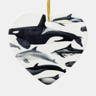 Famille des dauphins : orques, dauphins, marsopas ornement cœur en céramique