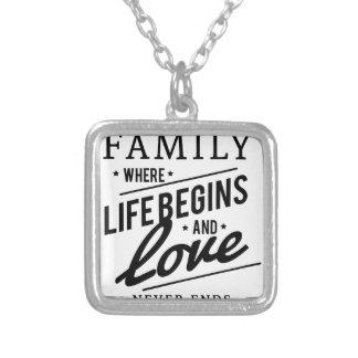 famille pendentif carré