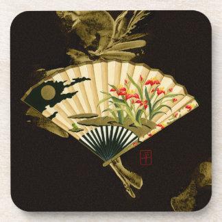 Fan orientale sertie par replis avec la conception dessous-de-verre