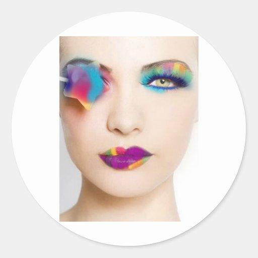 Fard à paupières coloré de fille de hippie avec adhésifs ronds