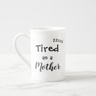 Fatigué comme tasse de café de mère