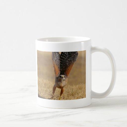 Faucon épaulé rouge tasse à café