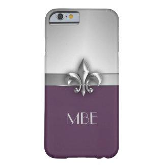 Faux argenté pourpre Metal Fleur de Lis de monogra Coque iPhone 6 Barely There
