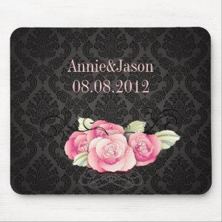 Faveur florale de mariage de rose noir élégant de tapis de souris