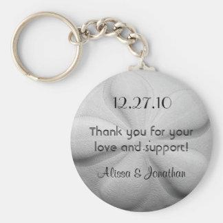 Faveur personnalisée de mariage de porte-clés du porte-clé rond