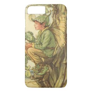 Fée à ailes d'orme s'asseyant dans un arbre coque iPhone 7 plus