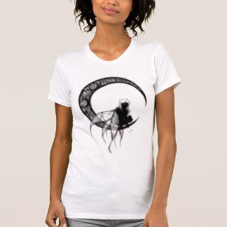 fée noire sur la lune t-shirts