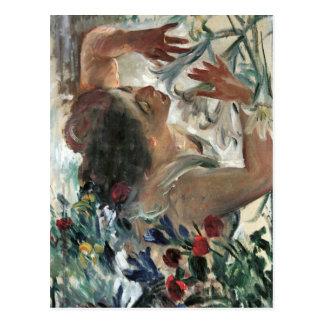 Femme avec des lis en serre chaude - Lovis Carte Postale