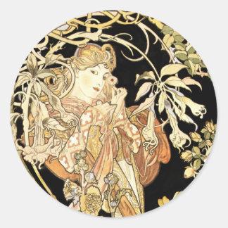 Femme dans des vignes de jasmin sticker rond