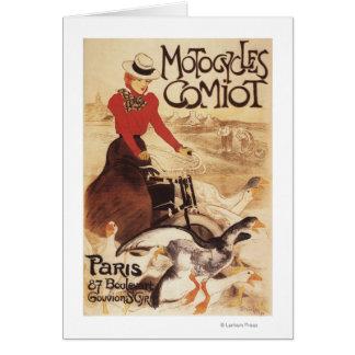 Femme de Comiot Motocycles et affiche de promo Cartes