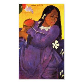 Femme de Gauguin avec une copie de photo de mangue